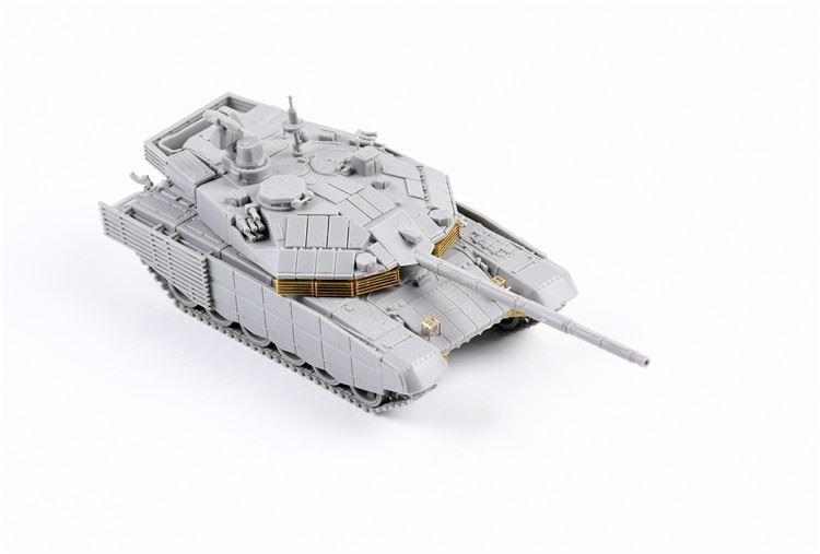 0004812_russian-t-90m-main-battle-tank-early-type