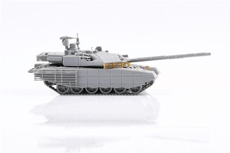 0004817_russian-t-90m-main-battle-tank-early-type