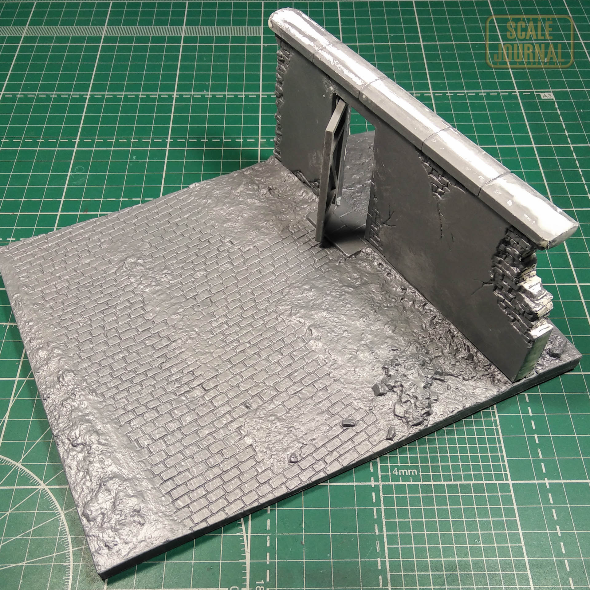 1/35 Wall with base (Miniart 36035)