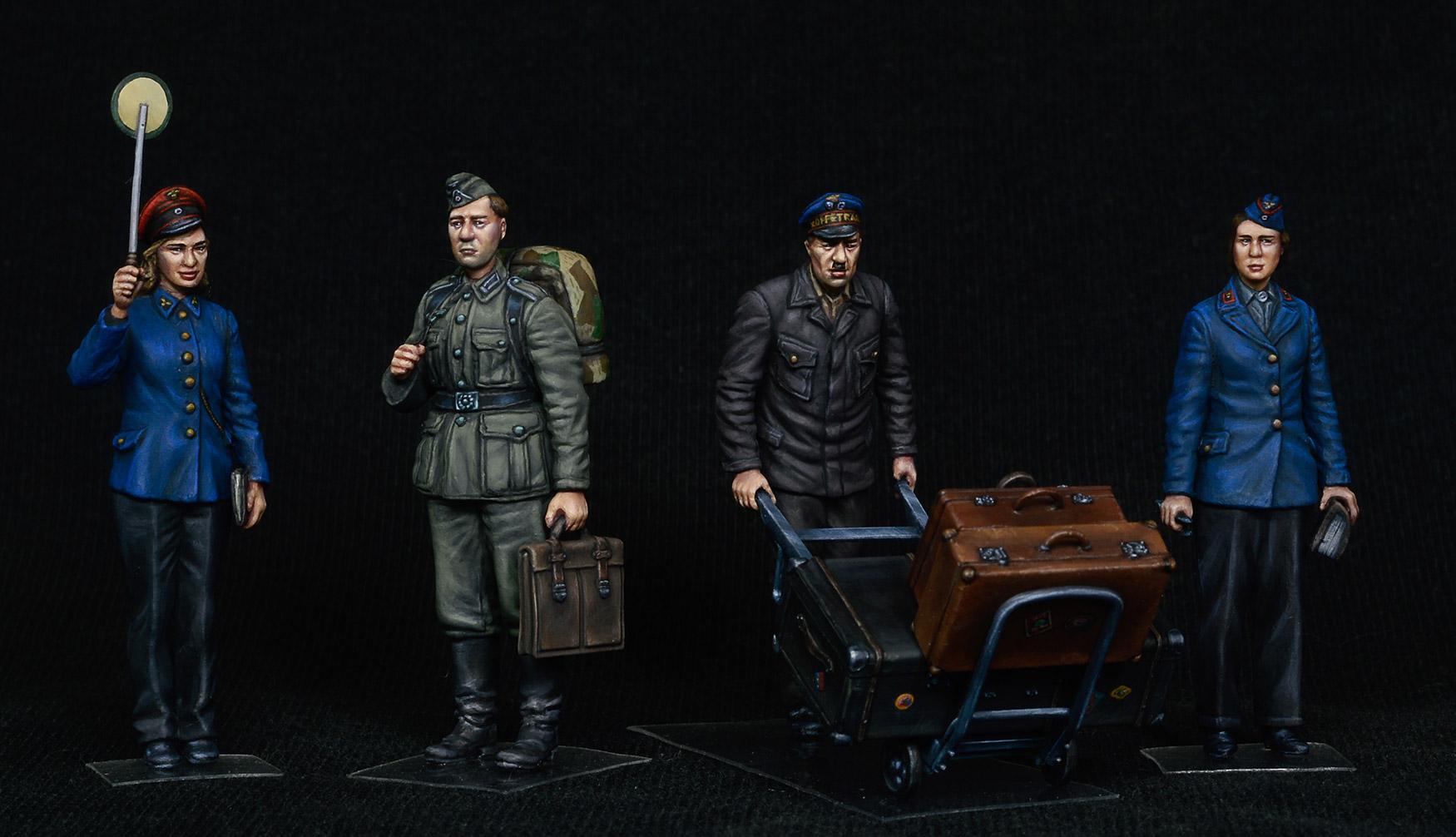 1/35 GERMAN TRAIN STATION STAFF 1930-40s 38010